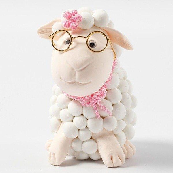 Owieczka w okularach z masy Silk i Foam Clay